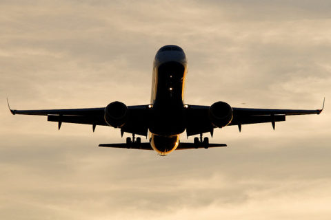 First EU-wide report on aviation's environmental impacts shows growing challenges