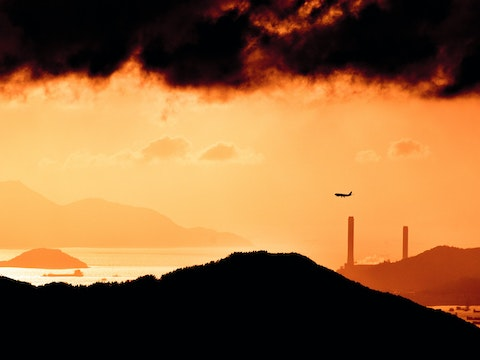 Featured image for CCC progress report to parliament critical of delays to government net zero aviation plans